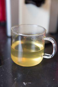 Le thé est prêt ! Ici, il s'agit de l'option petit tasse, 20 cl.